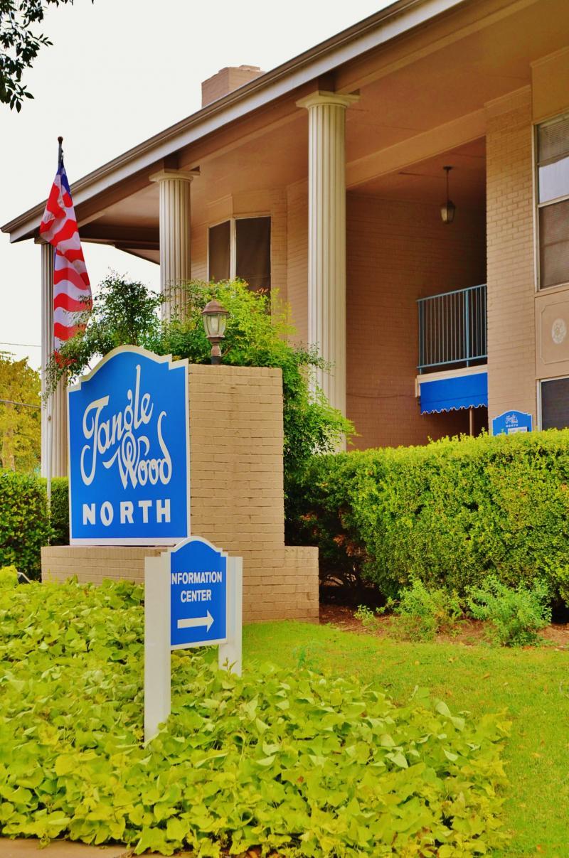 Tanglewood North Apartments   Apartments Near UT Austin